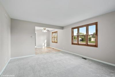 260 ASTER LN, Hoffman Estates, IL 60169 - Photo 2