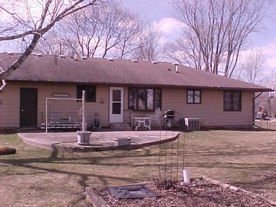 405 S EAST ST, CAPRON, IL 61012 - Photo 2