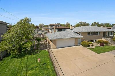10560 S 82ND AVE, Palos Hills, IL 60465 - Photo 2