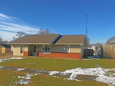 515 S MAIN ST, SHEFFIELD, IL 61361 - Photo 2