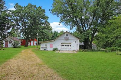 6484 W BURR OAK RD, Freeport, IL 61032 - Photo 2