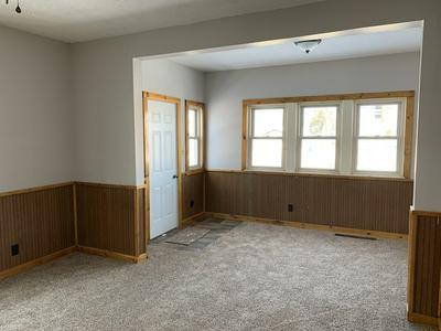 938 E HOWARD ST, PONTIAC, IL 61764 - Photo 2