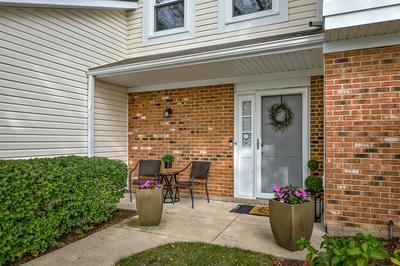 227 STANYON LN # 227, Bloomingdale, IL 60108 - Photo 2