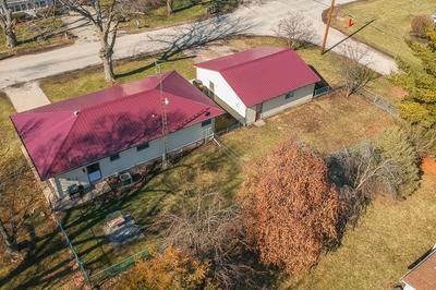 308 N WALNUT ST, CLINTON, IL 61727 - Photo 2