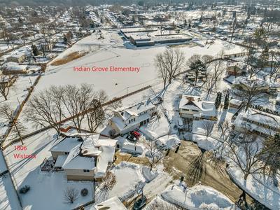 1806 E WISTORIA CT, Mount Prospect, IL 60056 - Photo 2