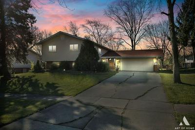 575 FREDERICK LN, Hoffman Estates, IL 60169 - Photo 1