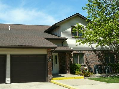 1804 GOLFVIEW DR UNIT 4, Streator, IL 61364 - Photo 1