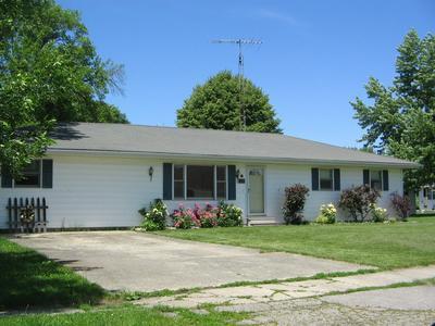 205 S PINE ST, Buckley, IL 60918 - Photo 1