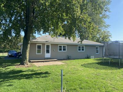 13613 N EDGEWATER DR, Chillicothe, IL 61523 - Photo 2