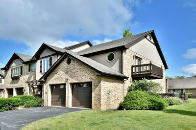 114 COUNTRY CLUB DR, Bloomingdale, IL 60108 - Photo 1