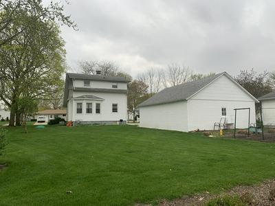 208 E LINCOLN ST, Buckley, IL 60918 - Photo 2