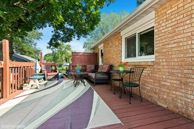 132 N CHASE AVE, Bartlett, IL 60103 - Photo 2