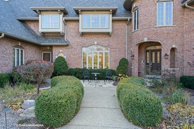 28 WILLOW BAY DR, South Barrington, IL 60010 - Photo 2