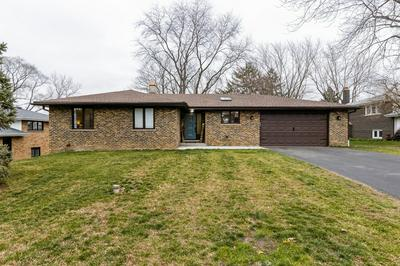 8218 SCENIC DR, Willow Springs, IL 60480 - Photo 1