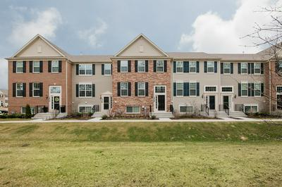 1526 DEER POINTE DR, SOUTH ELGIN, IL 60177 - Photo 2
