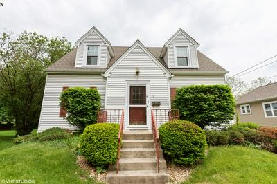 11 LINCOLN AVE, East Dundee, IL 60118 - Photo 1