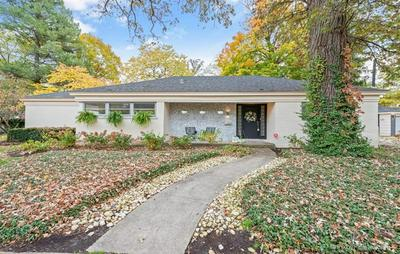 696 CRESCENT BLVD, Glen Ellyn, IL 60137 - Photo 1