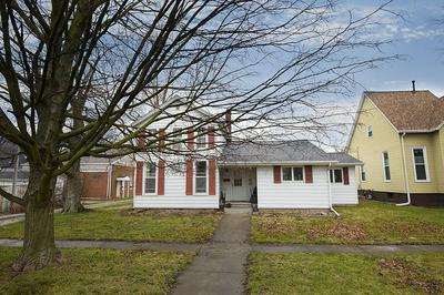 105 W PARKWAY, Lexington, IL 61753 - Photo 1