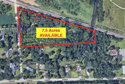7S887 BARNES RD, Aurora, IL 60506 - Photo 2