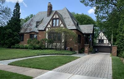 330 BLACKSTONE AVE, La Grange, IL 60525 - Photo 1