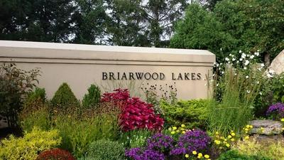 147 BRIARWOOD N, Oak Brook, IL 60523 - Photo 2