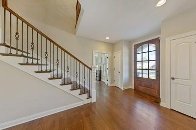 817 JUSTINA ST, Hinsdale, IL 60521 - Photo 2