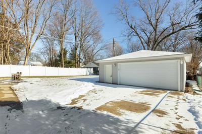 303 S DORCHESTER AVE, Wheaton, IL 60187 - Photo 2