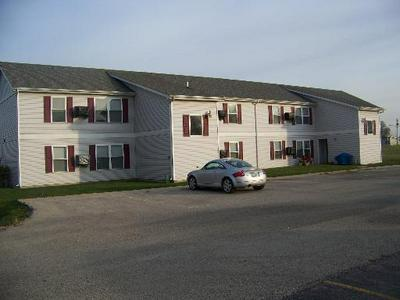 1025 E UNION ST APT C, Earlville, IL 60518 - Photo 1