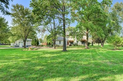 41W170 DENNY RD, Sugar Grove, IL 60554 - Photo 2