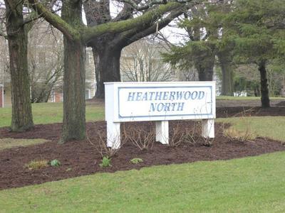 2988 HEATHERWOOD CT, Schaumburg, IL 60194 - Photo 2