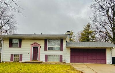 1604 ARROWHEAD DR, BLOOMINGTON, IL 61704 - Photo 1