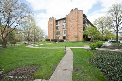 201 LAKE HINSDALE DR APT 312, Willowbrook, IL 60527 - Photo 2
