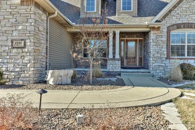 1505 COTTONWOOD CT, Mahomet, IL 61853 - Photo 2