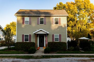 103 N CHERRY ST, Lexington, IL 61753 - Photo 1