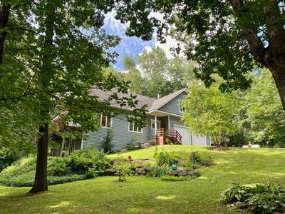 907 OAK HILL DR, Spring Grove, IL 60081 - Photo 1