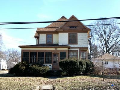 802 S MILL ST, Pontiac, IL 61764 - Photo 1