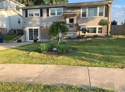8921 W MAPLE LN, Hickory Hills, IL 60457 - Photo 1