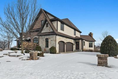 1815 HUNTERS RIDGE LN, Sugar Grove, IL 60554 - Photo 2