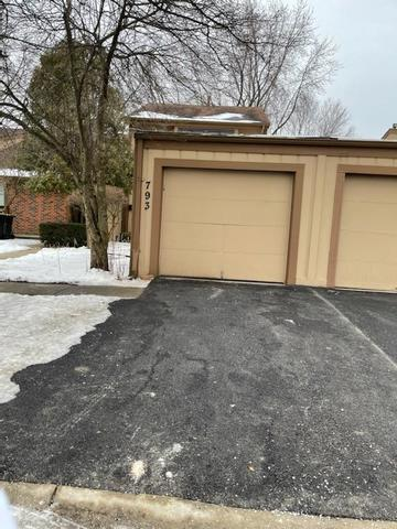 793 OVERLAND CT, Roselle, IL 60172 - Photo 2
