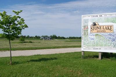 135 STONE LAKE DRIVE, Fairbury, IL 61739 - Photo 1
