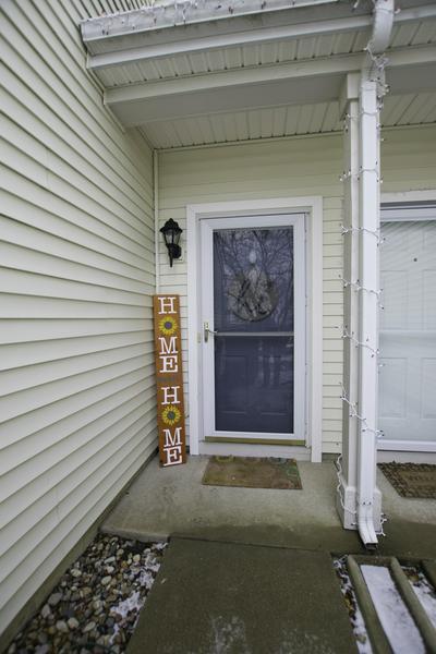 306 PARKSIDE DR, Shorewood, IL 60404 - Photo 2