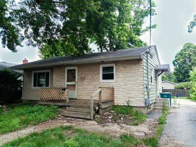 204 E GRANT ST, Streator, IL 61364 - Photo 2