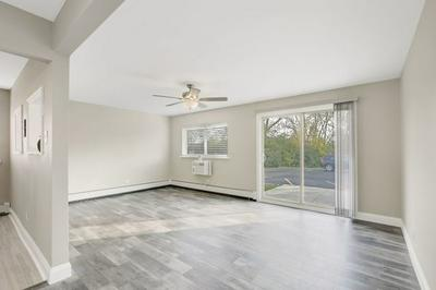 706 MARILYN AVE APT 105, Glendale Heights, IL 60139 - Photo 2