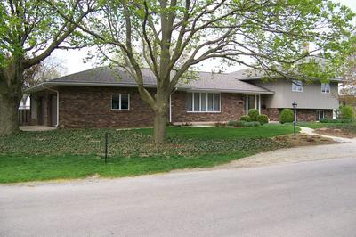 100 E COLUMBIA ST, Fairbury, IL 61739 - Photo 1