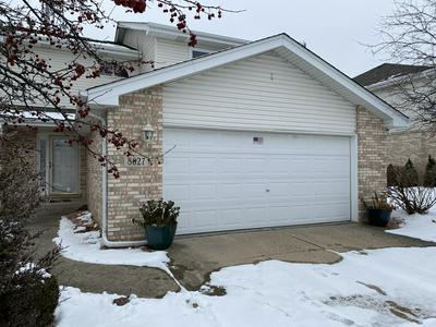 8627 MIROBALLI DR, Hickory Hills, IL 60457 - Photo 1