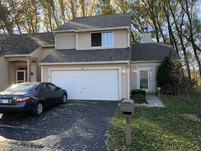 11 LARKSPUR CT, Lake In The Hills, IL 60156 - Photo 1
