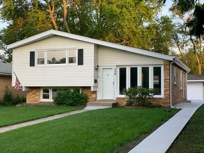 496 E BUTTERFIELD RD, Elmhurst, IL 60126 - Photo 2