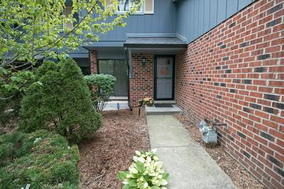 1014 WHITCHURCH CT # 1014, Wheaton, IL 60189 - Photo 2