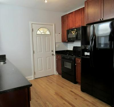 2055 W FARGO AVE APT 2, Chicago, IL 60645 - Photo 2