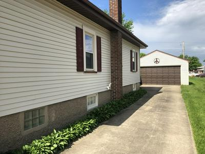 319 N SCHOOL AVE, Oglesby, IL 61348 - Photo 2